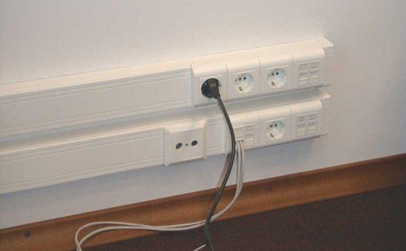 монтаж электропроводки в офисе
