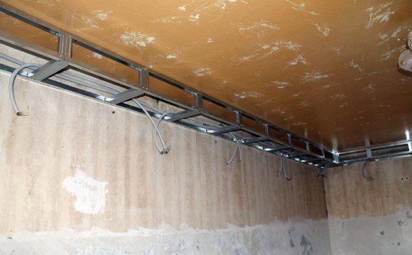 Потолок из гипсокартона под